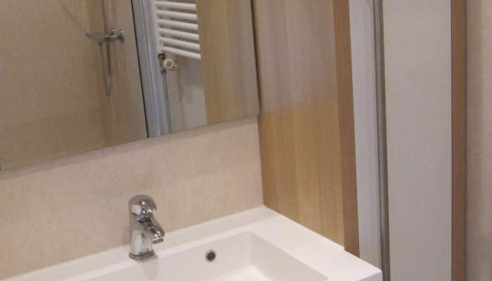 overnachten_zuid_limburg_panoorama_noorbeek_appartement_type_1_badkamer