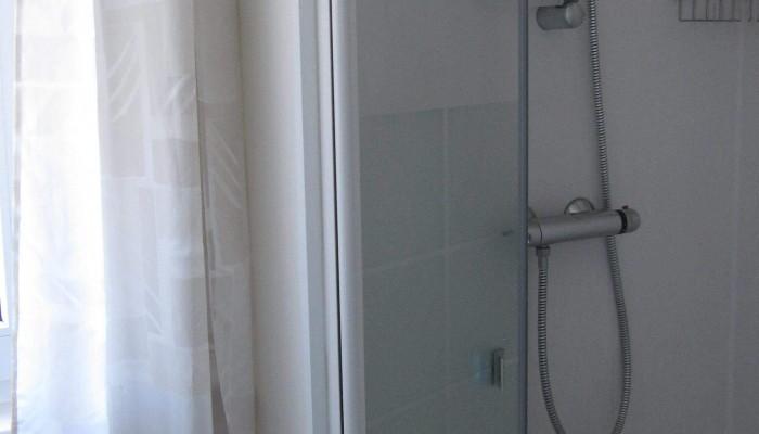 overnachten_zuid_limburg_panoorama_noorbeek_appartement_type_2_douche
